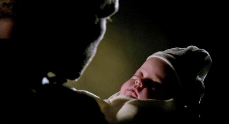 klaus-bids-baby-hope-mikaelson-farewell